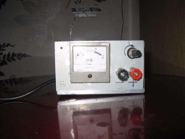 Продам зарядное для зарядки авто аккумуляторов и лабораторное для зар.