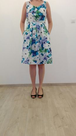 Sukienka SIMPLE r.40