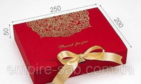"""Коробка под подарок """"Стильная"""""""