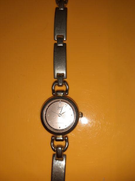 Часы наручные QQ