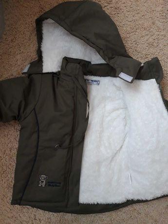 Зимова курточка 6 - 12 м , підійде до 1, 5 року