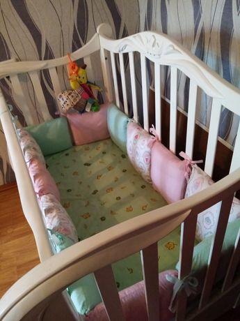 Дитяче ліжечко з матрацом та боковинками