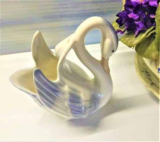 Фарфоровая статуэтка (ваза, салфетница) Лебедь. Испания.