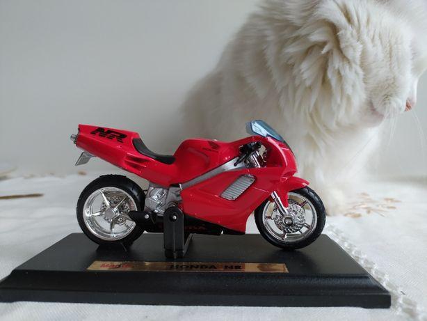 Модель мотоцикла Honda NR от Maisto