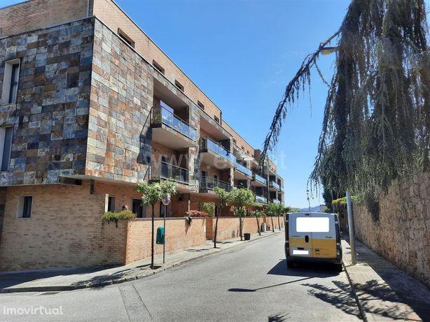Apartamento T3 duplex em Fafe com garagem, varanda e elevador
