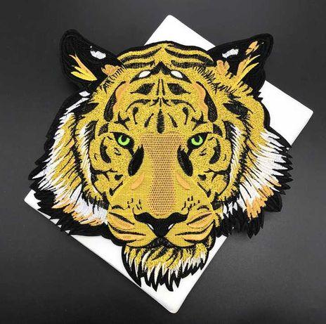 Вышивка-нашивка для декора одежды «Голова Тигра».