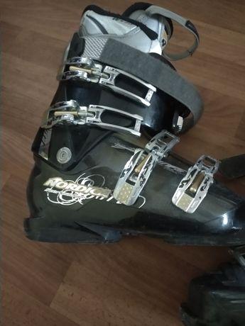 горнолыжные ботинки 24,5