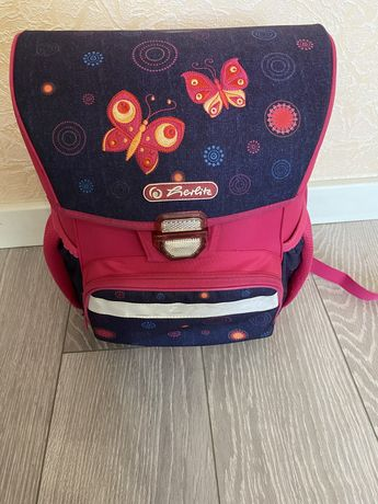 Школьный рюкзак для девочки. Начальная школа.