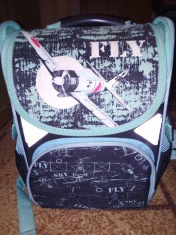 Продам школьный рюкзак для мальчика
