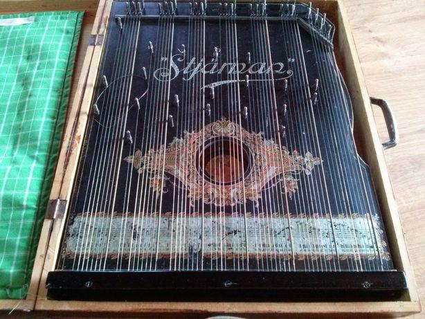 Starodawny instrument muzyczny Cytra