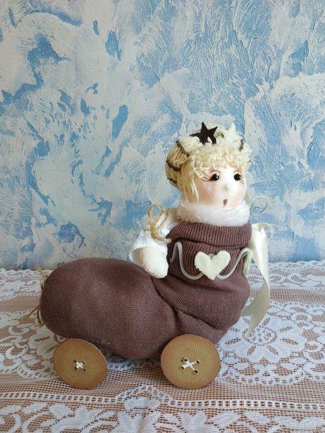Интерьерная кукла в итальянском стиле для детской комнаты.