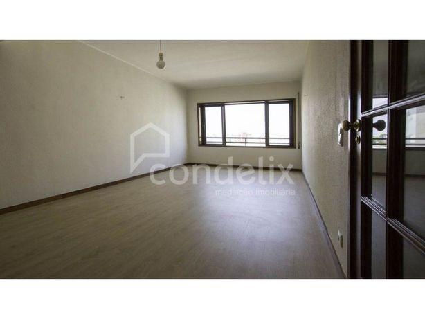 Apartamento T1 remodelado para venda em Águas Santas, Maia