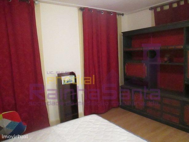 Quartos em apartamento T5 mobilado e equipado - Coimbra