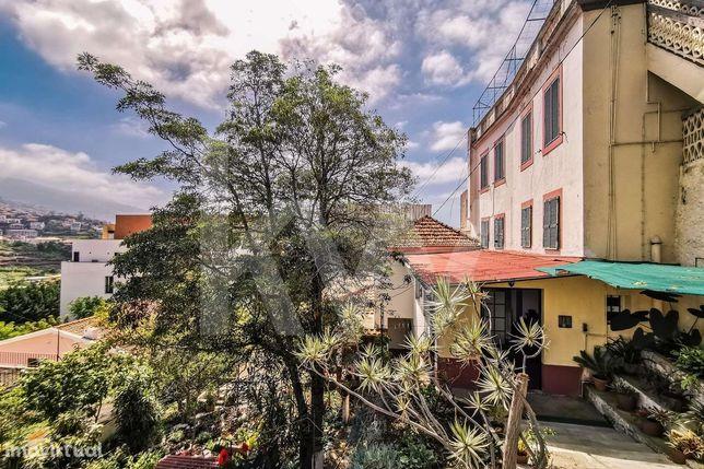 Mercearia+Moradia - Excelente Investimento -Santo António - Funchal