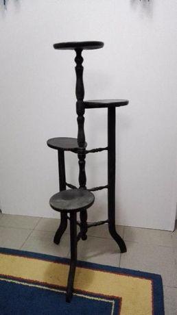 estante para vasos em madeira preta em bom estado antigo