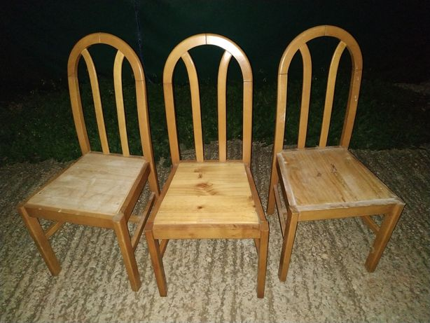 Vende se as cadeiras todas juntas