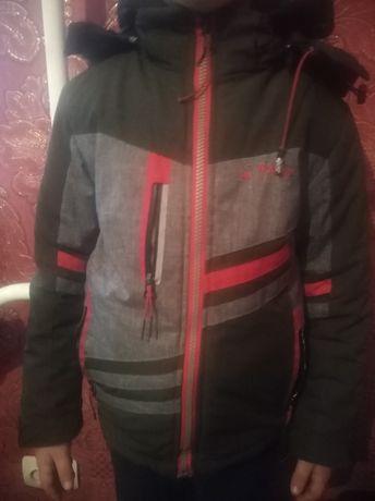 Куртка на хлопчика 4_5 років