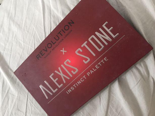 Paleta Alexis Stone Makeup Revolution