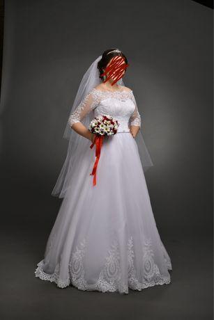 Свадебное платье, белое.