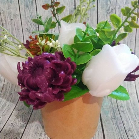 Мыльный букет из хризантем и роз