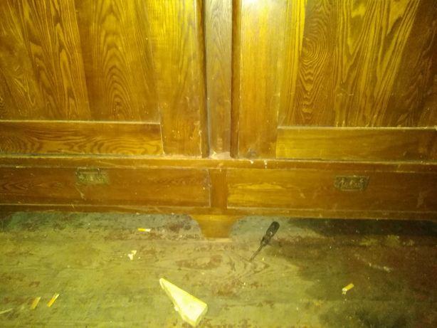 Stara szafa z drewna zabytkowa