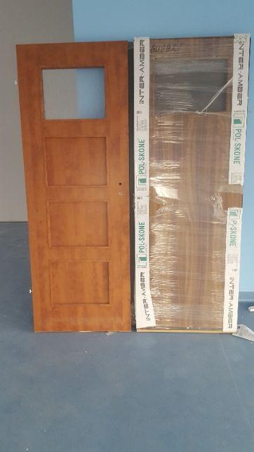 Skrzydła drzwiowe i ościeżnice