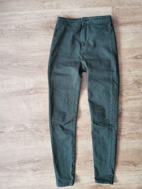 Spodnie jeansy wysoki stan khaki. Bershka.