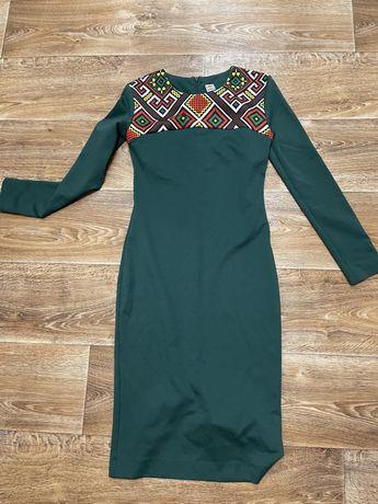 Зеленое платье зелене плаття футляр бронь