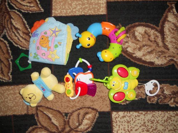 комплектом игрушки