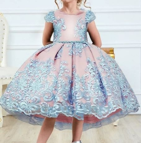 Śliczna sukienka 5lat 116