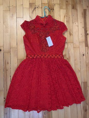 Красное платье в китайском стиле