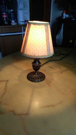 старинный настольный бронзовый светильник с плафонами