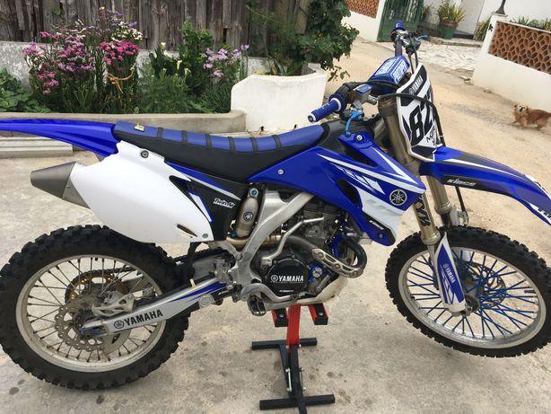 Moto Yamaha YZ250F
