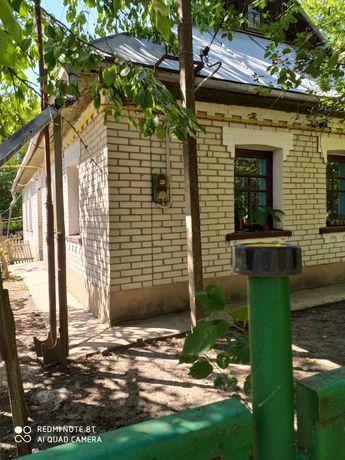 Продам будинок та дві земельні ділянки