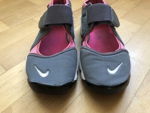 Кросівки жіночі 37розмір