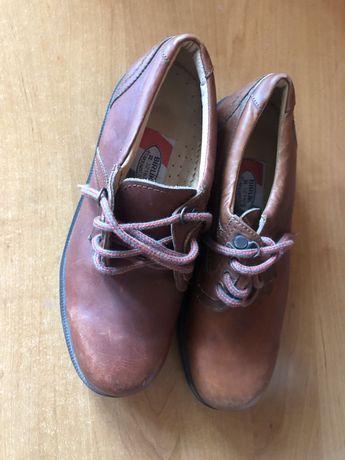 Чоловічі туфлі з натуральної шкіри 40 р.