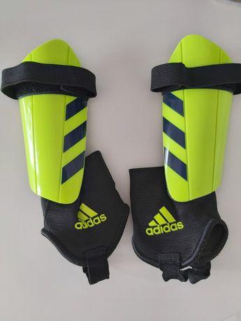 Ochraniacze na piszczele Adidas