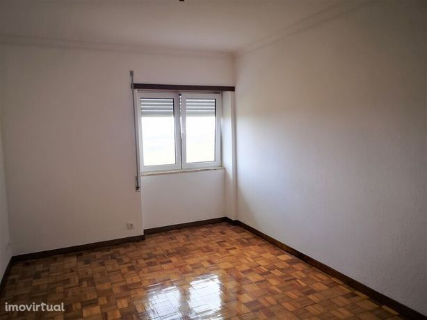 Apartamento T3 no centro Seia