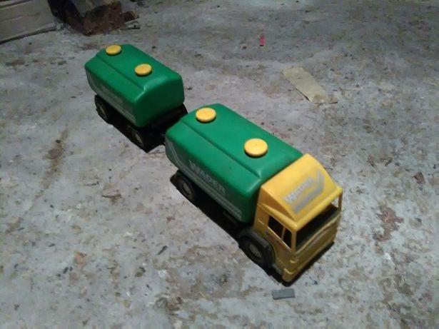 Zabawka samochód cysterna z przyczepą