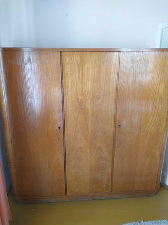 Stara szafa drewniana