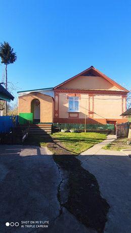 Продається чудовий будинок в мальовничому селі Райки
