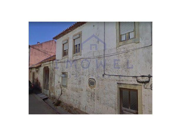 QUINTINHA com 1.600 m2   BRASFEMES   Moradia T3 para reab...