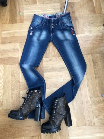 Nowe jeansy dzinsy S/M