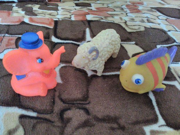 Резиновые игрушки- зверушки