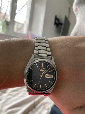 Продам часы механические SEIKO 5