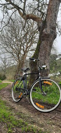 bicicleta antiga órbita