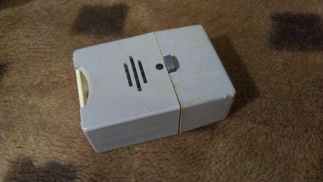 Зарядное устройство для аккумулятора 675 типоразмера.