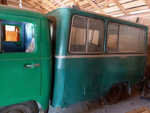 Продам УАЗ 452 грузопассажирский+двигатель после капремонта+прицеп