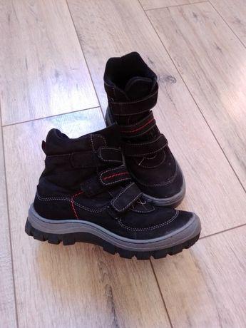 Buty jesienno-zimowe dla chłopca. Za kostkę. Na rzepy. 33