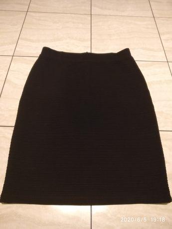 Ołówkowa czarna klasyczna spódnica